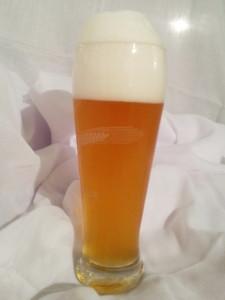 Hefeweizen im Glas - Bier, noch immer vielfach eins der beliebtesten Getränke