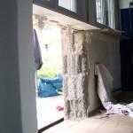 Die Wand hat bereits ein Loch, da kommt eine Balkontür hin. miradlo 2005
