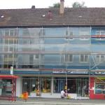 Fassadenrenovierung 2005, gegipst wurde mit roten Putzresten, die später überstrichen wurden, miradlo 2005