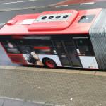 Bus hält wieder hier - Baustelle beendet - Lieferadresse miradlo-Versanddepot, Bushalteplatz wurde neu asphaltiert