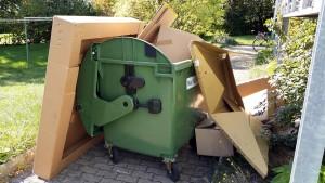 Kostenlose Verpackungsentsorgung, z.B. Altpapier beim miradlo-Versanddepot in Konstanz, die Lieferadresse