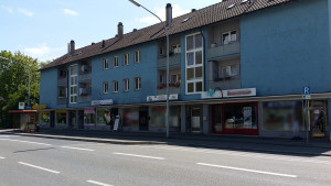 Bushaltestelle, Kurzparkplätze nur wenige Meter daneben, Radweg, Gehweg vorm miradlo Versanddepot Konstanz, Lieferadresse