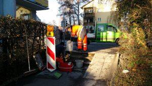 Treppe an kleinem Fußweg wird von den Technischen Betrieben Konstanz repariert - miradlo