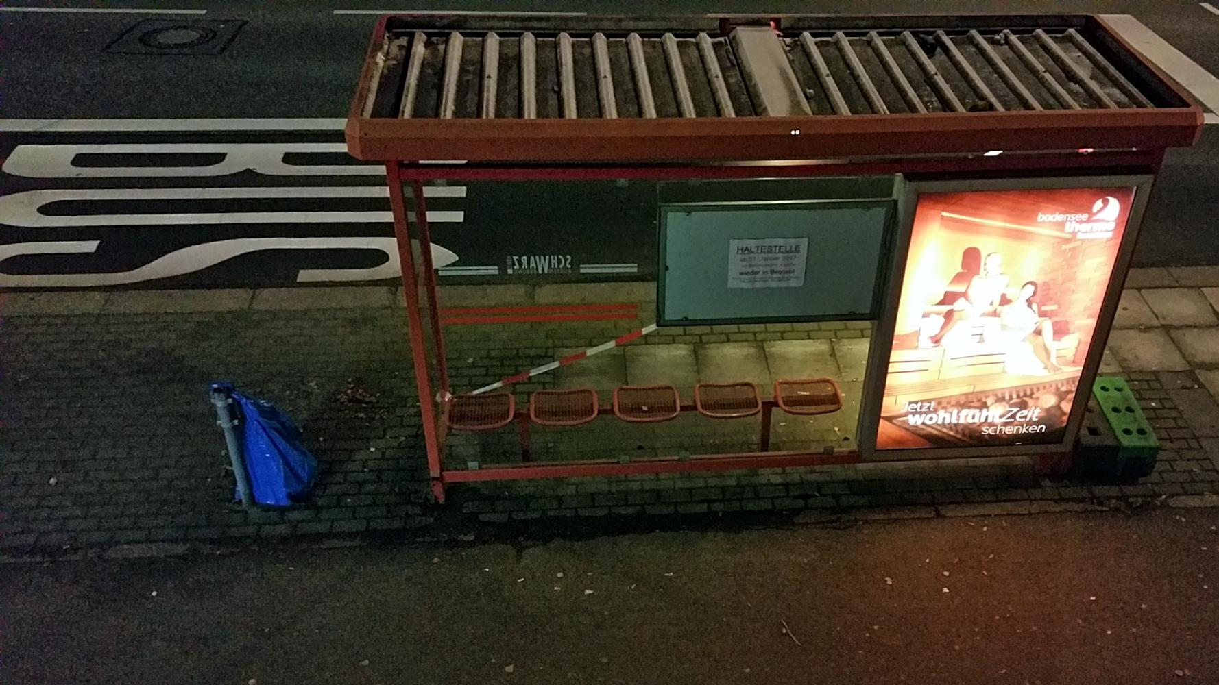 Bushaltestelle Bismarcksteig Konstanz, zurück zum alten Standort - miradlo Versanddepot