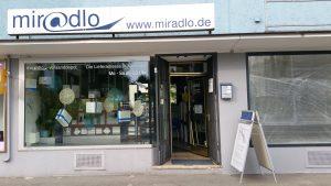 Laden, Schaufenster, im Sommer, miradlo-Versanddepot Konstanz