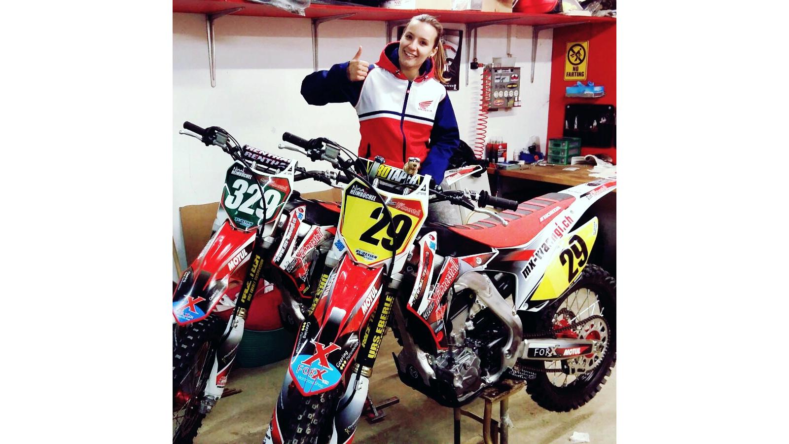 Startnummer 329 - Nina Heimbüchel- Motocross-Adventskalender - miradlo Versanddepot