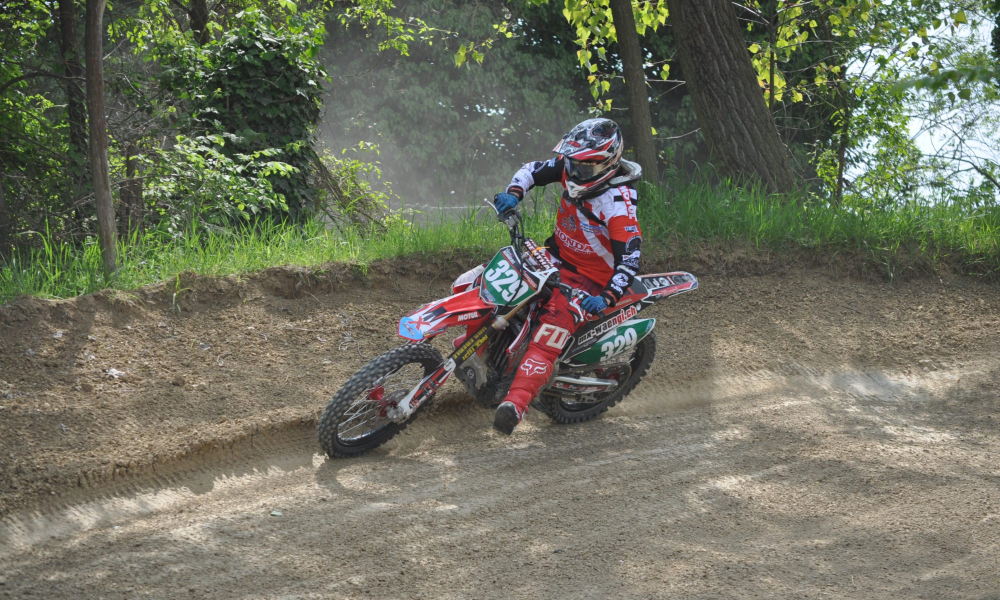 Vorbereitung auf die neue Saison - Nina Heimbüchel- Motocross-Adventskalender - miradlo Versanddepot