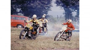 Wie alles begann - es liegt in der Familie - Nina Heimbüchel- Motocross-Adventskalender - miradlo Versanddepot