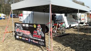 Ein Renntag - Nina - Motocross-Adventskalender - miradlo Versanddepot