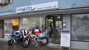 miradlo und Moppeds - Nina und Ute - Motocross-Adventskalender - miradlo Versanddepot
