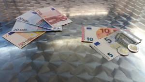 Scheine, Münzen, 100 euro 19 € mwst
