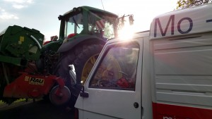 Apetreffen ländlich, klasse - apelina_on_tour_traktor_apetreffen_schweiz_miradlo_lieferadresse_versanddepot_2015_10_02_175846