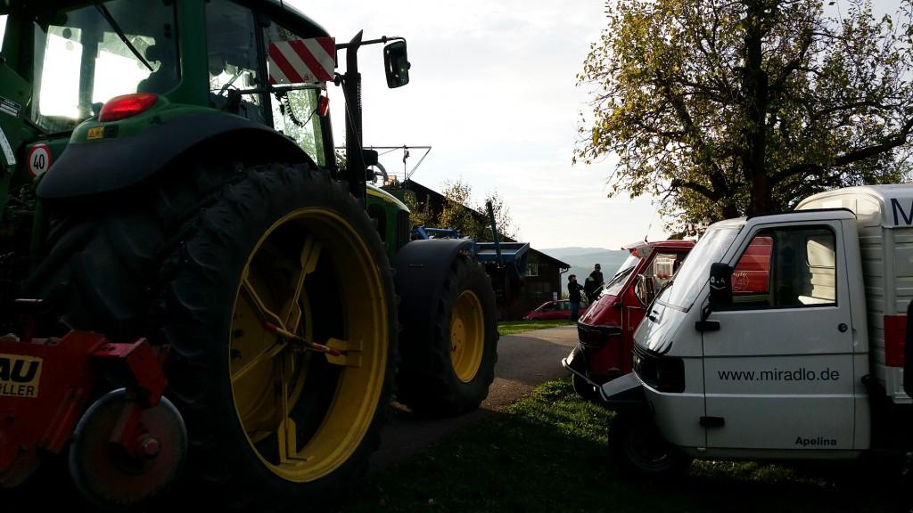 apelina_on_tour_traktor_apetreffen_schweiz_miradlo_lieferadresse_versanddepot_2015_adventskalender_14